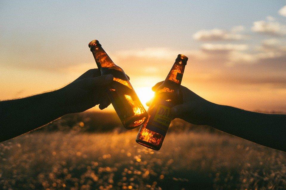 ¿Sabías que la cerveza puede resultar BENEFICIOSA PARA LA SALUD?