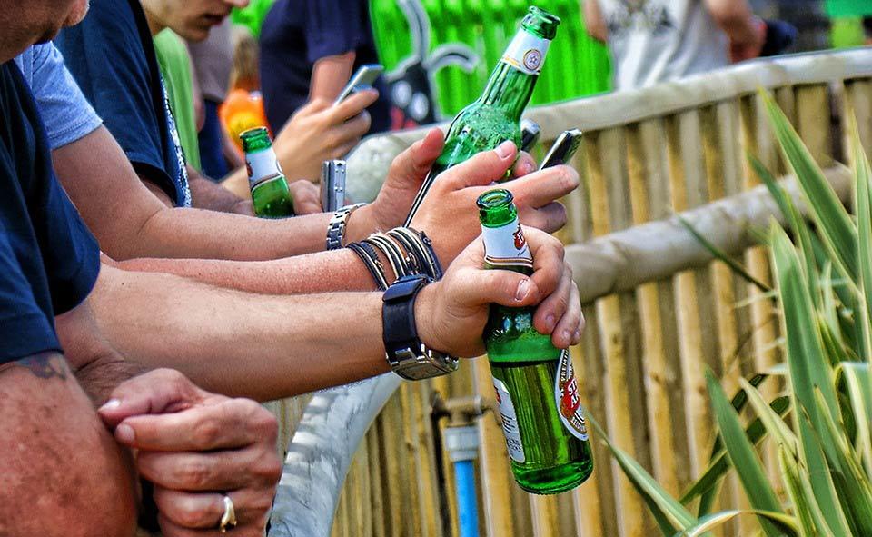 Quienes beben cerveza no suelen ABANDONAR LOS ESTUDIOS – Loopulo