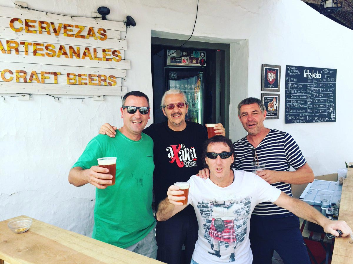La Axarca, la cerveza artesana de La Domadora y el León – Loopulo