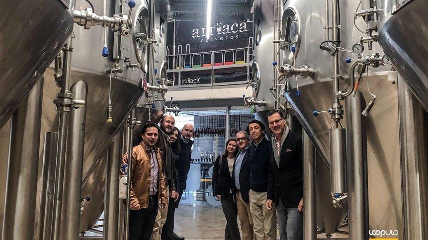 Ron Lewis, presidente de Ball Europa, visita Cervezas Arriaca – Loopulo