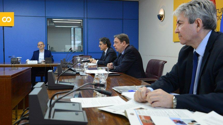 El ministro Luis Planas analiza con Cerveceros de España la situación actual del sector | Loopulo