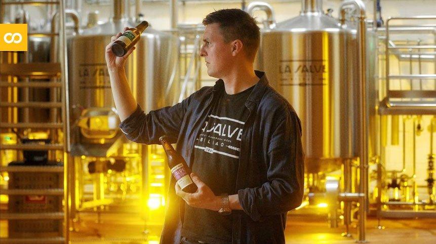 La Salve embotella su cerveza número 5.000.000 y regala cervezas por un año - Loopulo