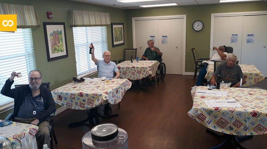 Un asilo de Texas pone a sus ancianos a elaborar cervezas - Loopulo
