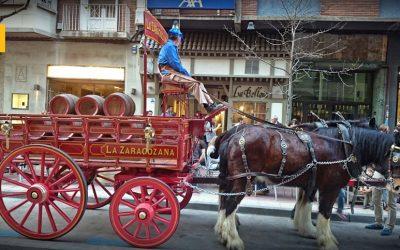 Ambar reedita su cerveza 1900 y recupera el reparto con caballos