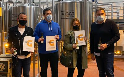 LA SALVE entrega los premios«Etxeko Garagardogile», puestos en marcha para impulsar la pasión por la elaboración de cerveza casera